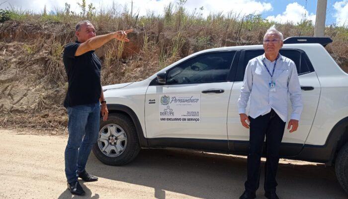 Diretor do DER -PE faz vistoria na estrada que dar acesso a Lagoa do Outeiro, em Buenos Aires